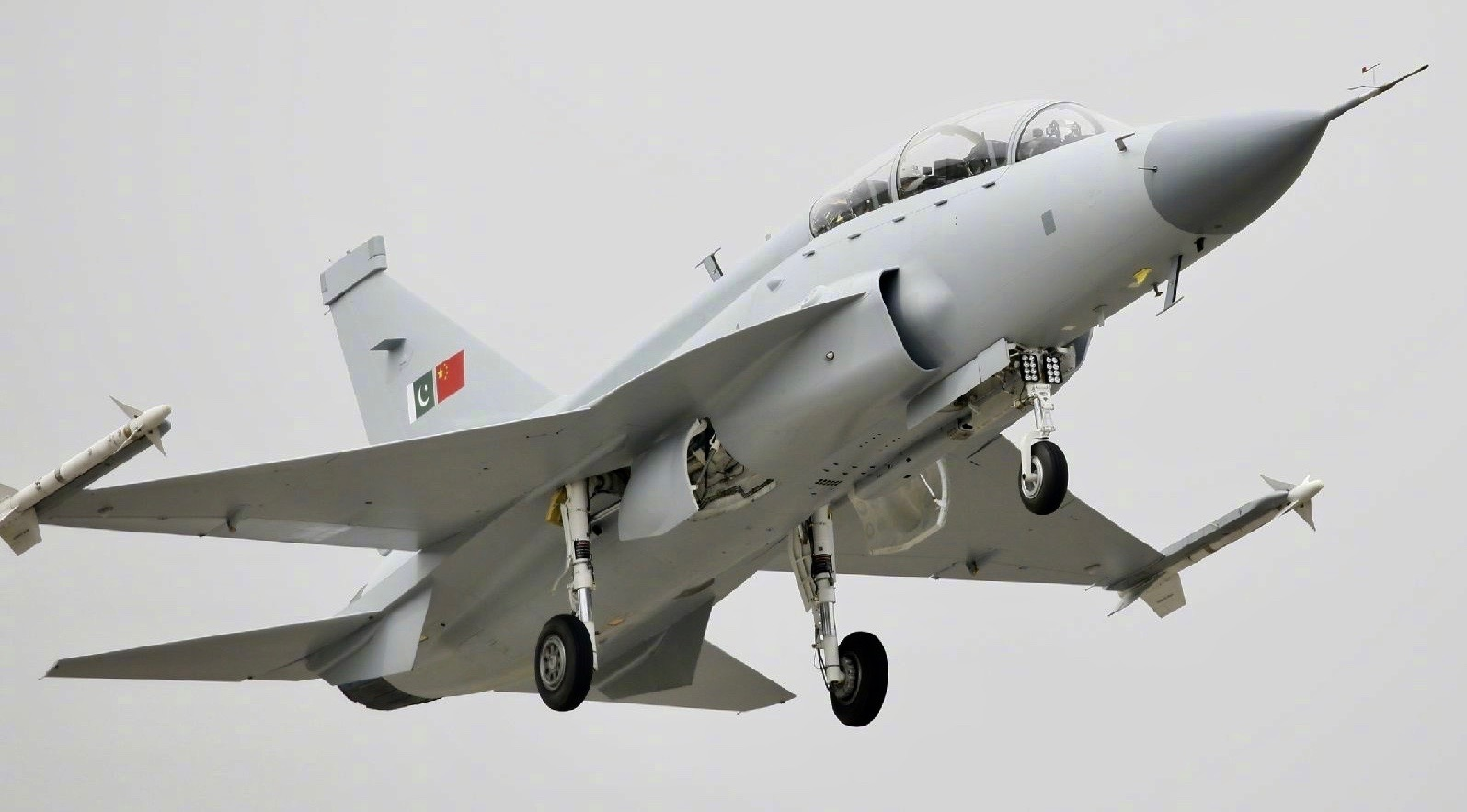China Delivers Overhauled Block 1 JF-17 Fighters to Pakistan with